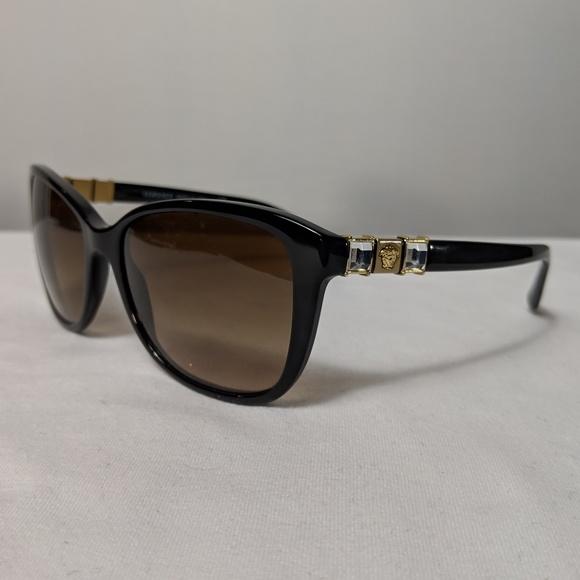 58723899120 Authentic Versace Mod.4293 Black   Gold Sunglasses.  M 5c429a893c984441b947dc37